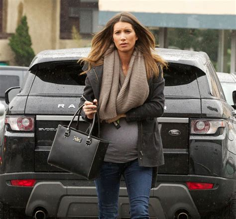 jeremy renners baby mama pregnant pic    didnt