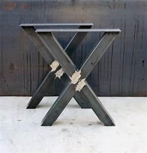 Pied De Table Metal : 17 meilleures id es propos de pied de table metal sur pinterest pied de table design mesas ~ Teatrodelosmanantiales.com Idées de Décoration