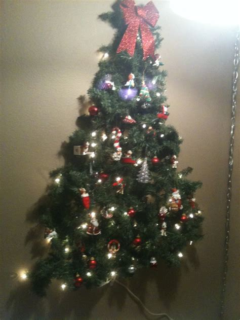 kid friendly christmas tree decorations kid friendly tree on the wall command hooks and lighted garland with ornaments