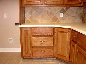 Corner, Kitchen, Cabinet, What, To, Do, To, Avoid, Awkward, Look, On, It