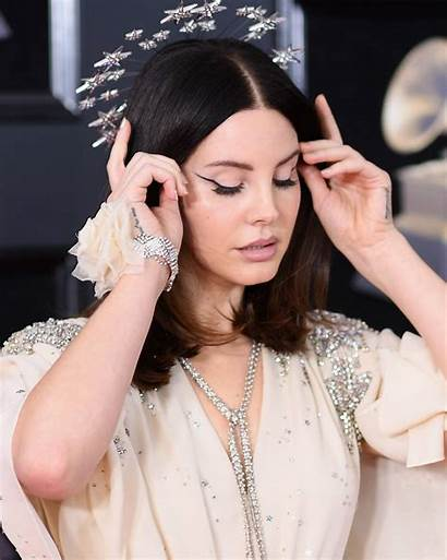 Lana Del Rey Eye Cat Grammy Awards