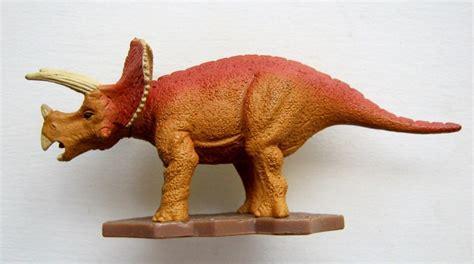 Sega Dinosaur King Triceratops Pvc Plastic Toy Playmates