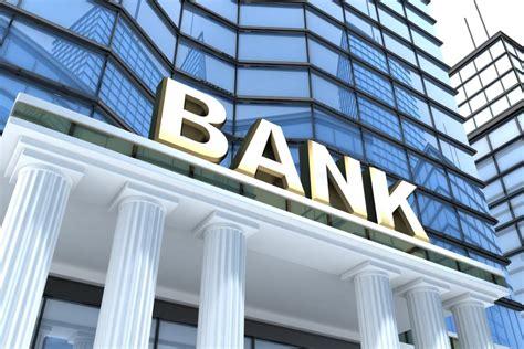 reasons  break    bank  changing
