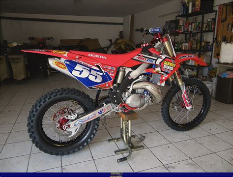 Honda Cr500  Motorcycles Catalog With Specifications