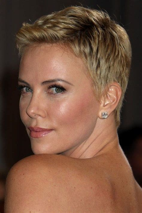 Ultra Pixie Hairstyles by 60 Pixie Haircuts Femininity And Practicality