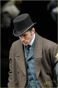 Jude Law is Dr. John Watson: Photo 1516241 | Jude Law ...