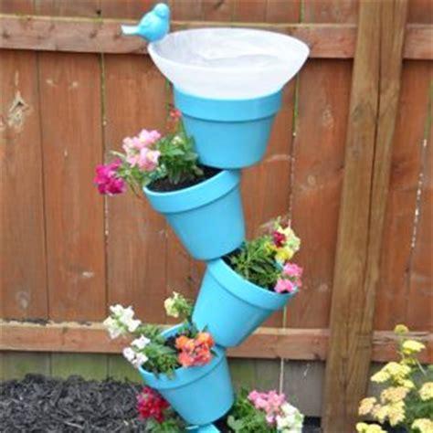 urban garden    fence planter