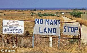 hislop visits  mans land  famagusta
