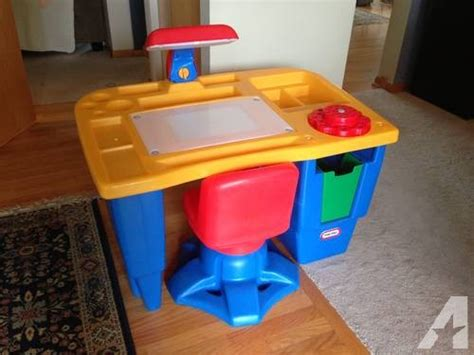 Tikes Desk With L And Chair by Tikes Table And Chair Images