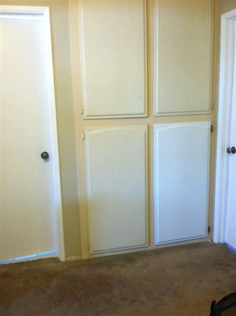 need help with paint colors for linen closet at end of hallway