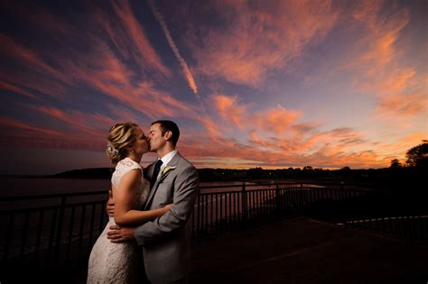 Essential Wedding Photography Tips For Beginners