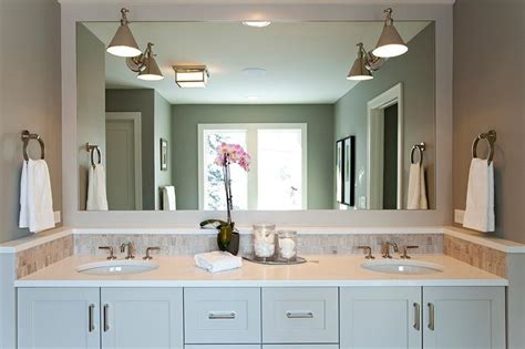 Bathroom With Grey Wood Like Floor Tiles