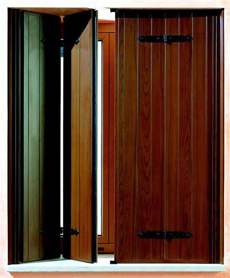 persiane in alluminio effetto legno scuri in alluminio effetto legno porte finestre