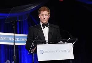 Harry de Inglaterra: todo un héroe humanitario - Foto