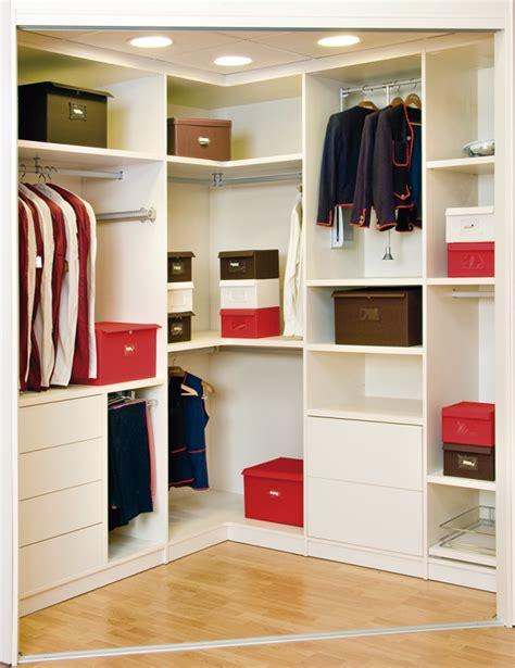 consejos utiles  el uso de armarios  vestidores