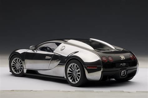 18 Bugatti Veyron 16.4 Pur Sang