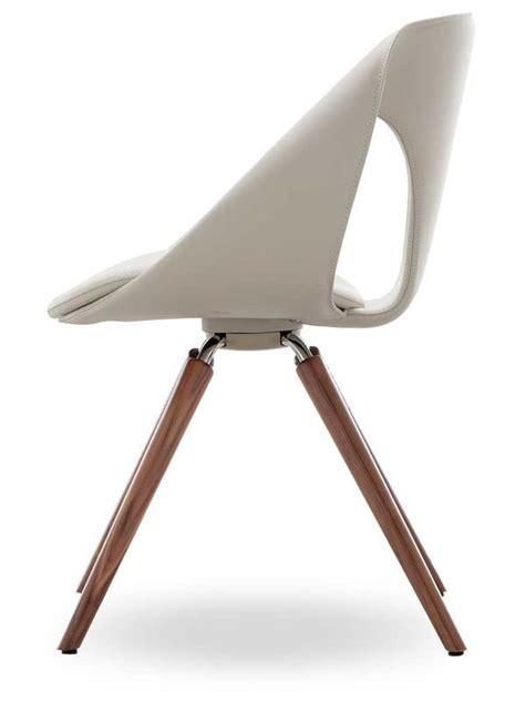 up chair leather w design stuhl tonon aus holz mit bezug aus kunstleder leder oder stoff