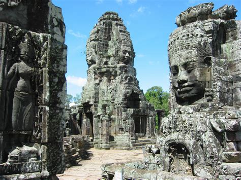 temple complex bayon wallpapers images  pictures