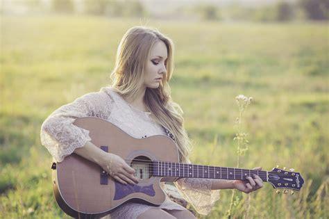Kāpēc jūsu bērnam ir vajadzīga mūzika | Hosiela
