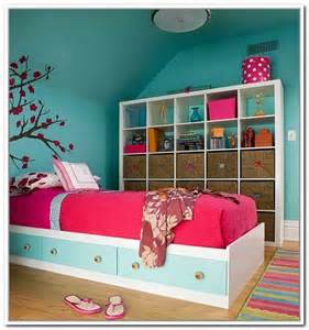 Zebra Bedroom Decor by Storage Ideas For Small Bedrooms On A Budget