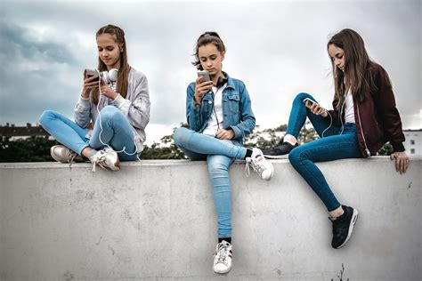 studie whatsapp instagram oder snapchat koennen suechtig