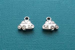 Charmes Automobile : 12 car charms silver vw bug charm cs2525 from kottagecharms on etsy studio ~ Gottalentnigeria.com Avis de Voitures