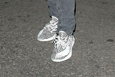 kanye west previews zebra yeezy boost  xxl