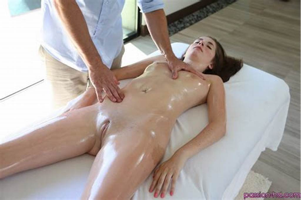 #Bella #Skye #Freckled #Teen #Massaged #& #Fucked #After #Dip #In