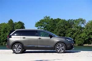 Peugeot 5008 Allure Business : essai peugeot 5008 puretech 130 2017 que vaut le moins cher des suv sept places du lion ~ Gottalentnigeria.com Avis de Voitures