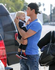 Josh Duhamel's baby boy Axl gets to wear his daddy's cap ...