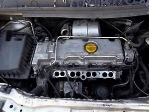 Pompe A Injection Opel Zafira : opel zafira a 2 2 dti 125 ch an 2005 fume gris pas de peche mode degrader photo ~ Gottalentnigeria.com Avis de Voitures
