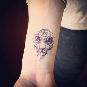Tatouage Loup Geometrique : tatouage tete de tigre geometrique ~ Melissatoandfro.com Idées de Décoration