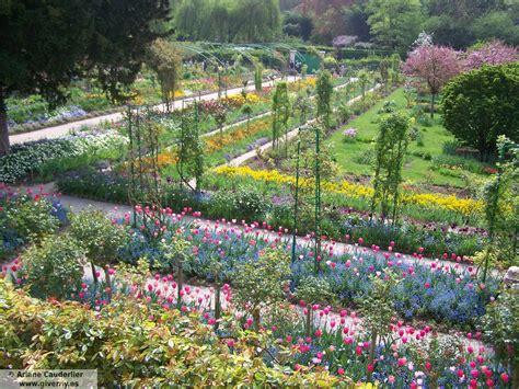 Claude Jardin by Los Jardines De Claude Monet Giverny