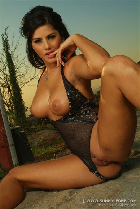 Hot Sexy Lesbian Porn - Hot Girls Wallpaper