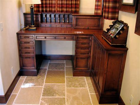 hand  custom alder built  desk  ps woodworking