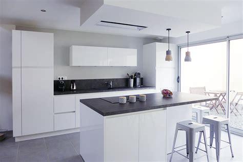 cuisine gris et réalisation blossom home skéa architecte d 39 intérieur