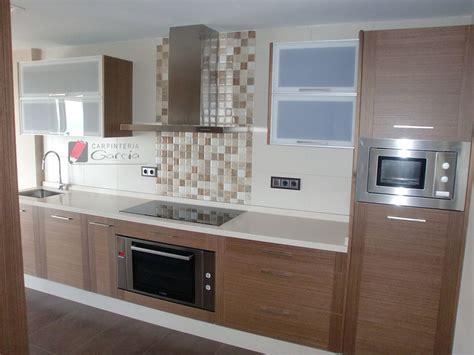 azulejo  cocina en color nogal buscar  google   en  cocinas modernas