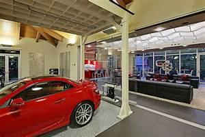 Garage Bellevue : 4 million 2 bedroom 2 5 bathroom house w 16 car garage is ideal automotive enthusiast haven ~ Gottalentnigeria.com Avis de Voitures