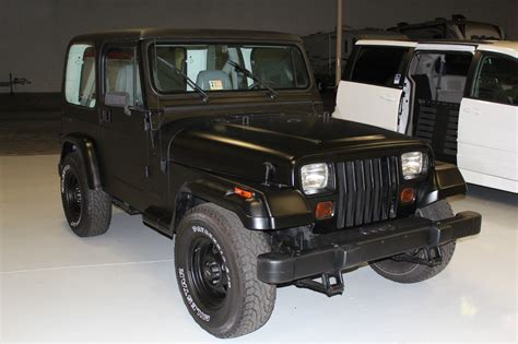 jeep wrangler 2 door hardtop 1990 jeep wrangler base sport utility 2 door 4 2l black