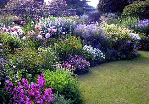 Koi Garden Dublin by Cottage Garden Plants In The English Cottage Garden Plants