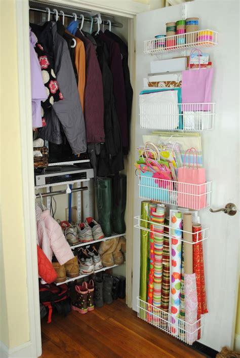 Small Hallway Closet Organization Ideas by 25 Best Ideas About Hallway Closet On