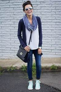 Outfit White tee + navy cardigan + dark jeans + blue scarf + black cross-body bag + Converse