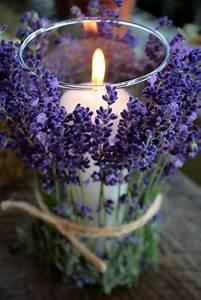 Grosse Bougie Parfumée : des vases ou des grands verres de chez ikea avec des brins de lavande nou s autour bougies ~ Teatrodelosmanantiales.com Idées de Décoration