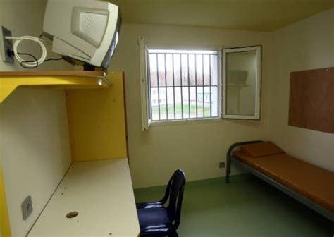 chambre prison prise d 39 otage terminée dans une prison pour mineurs