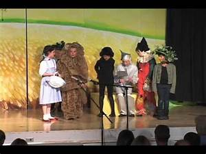 Children's Theater Production of The Wizard Of Oz: High ...