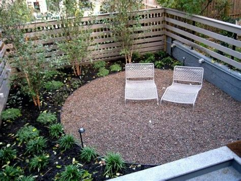 Semi-circle Pea Gravel Patio