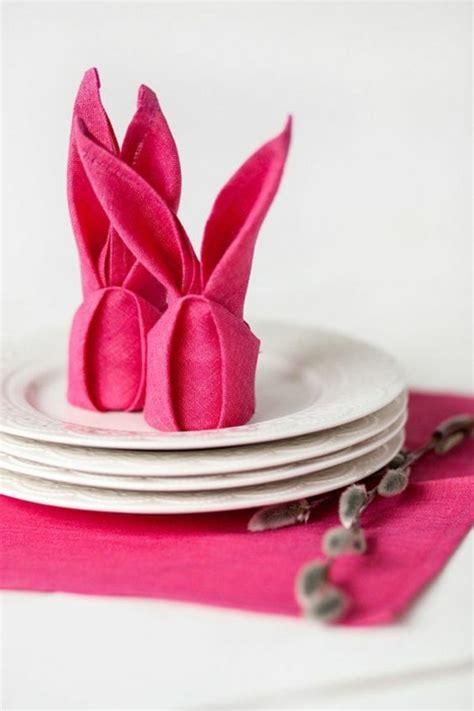 servietten falten und osterhasen basteln mit einer