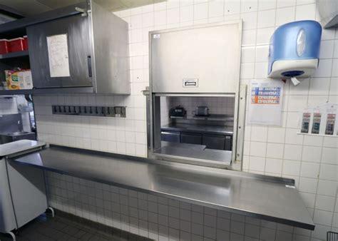 cuisine passe plat passe plat en inox alimentaire 105 x 82 x 25 cm etagere en