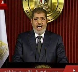 Mohamed Morsi annuls decree after days of protests