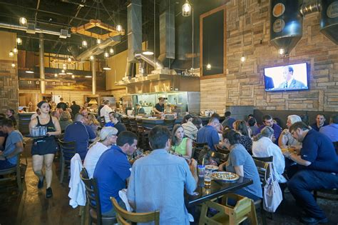 craft beer  pizza restaurant oak stone  open